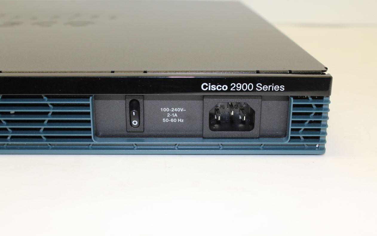 Cisco 2901 Terminal Server Router Routers Switches